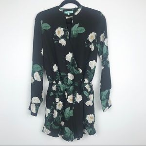 Karlie Floral Print Long Sleeve Romper Size Small